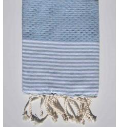 Serviette de table bleu clair avec rayures