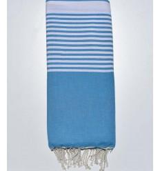 Jeté bleu céruléen avec rayures