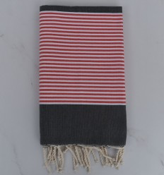 Fouta plate gris foncé rayée rouge anglais et blanc