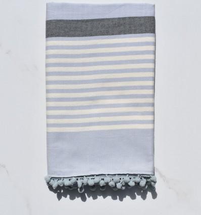 Fouta blanc crème, gris et bleuè charrette avec pompons
