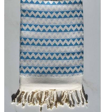 Fouta zigzag écru, bleu azur bleu maya