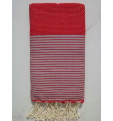 Fouta rouge rayée gris